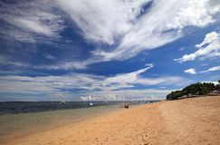 Paesaggio indonesiano della spiaggia e del mare Fotografia Stock