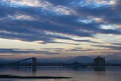 Paesaggio industriale al crepuscolo Fotografie Stock