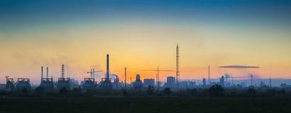Paesaggio industriale al tramonto Fotografie Stock Libere da Diritti
