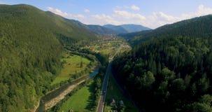 Paesaggio interurbano della foresta dell'albero di verde della montagna della natura, vista aerea 4K stock footage