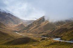 Paesaggio intorno al passaggio di Lindis, isola del sud del ` s della Nuova Zelanda Immagini Stock Libere da Diritti