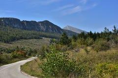 Paesaggio intorno alla montagna di Rtanj in Serbia fotografia stock