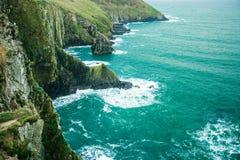 Paesaggio irlandese sughero atlantico della contea della costa della linea costiera, Irlanda Immagine Stock Libera da Diritti