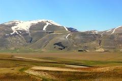 Paesaggio italiano della montagna con il simbolo dell'Italia Fotografie Stock Libere da Diritti