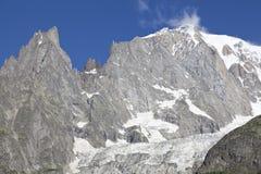 Paesaggio italiano di estate di Mont Blanc del lato Mont Blanc è il più alto picco delle alpi occidentali europee Fotografia Stock Libera da Diritti
