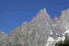 Paesaggio italiano di estate di Mont Blanc del lato Mont Blanc è il più alto picco delle alpi occidentali europee Immagini Stock Libere da Diritti