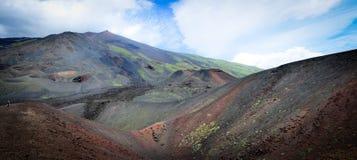 Paesaggio lunare dai lati dell'Etna fotografia stock