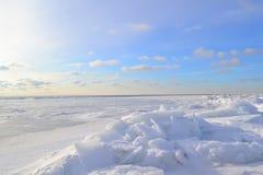 Paesaggio marino di inverno Fotografie Stock