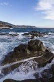 Paesaggio Mediterraneo con il villaggio di Sanremo sui precedenti Fotografia Stock