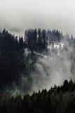 Paesaggio - montagne nebbiose Fotografia Stock Libera da Diritti