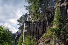 Paesaggio in natura del cittadino di Adrspach-Teplice di formazioni rocciose Immagini Stock Libere da Diritti
