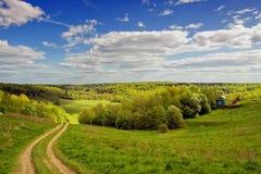Paesaggio naturale del distretto collinoso in giorno pieno di sole Immagine Stock Libera da Diritti