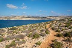 Paesaggio naturale del mare e della costa di Malta fotografia stock libera da diritti