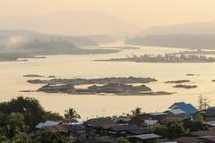 Paesaggio naturale della montagna di alba di vista Fotografia Stock Libera da Diritti