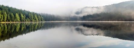 Paesaggio nebbioso del lago St Anne Fotografia Stock