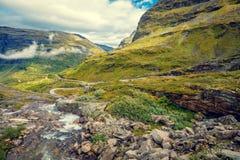 Paesaggio nebbioso di autunno della montagna Fotografia Stock Libera da Diritti