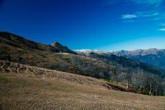 Paesaggio nel panorama delle montagne Fotografia Stock Libera da Diritti
