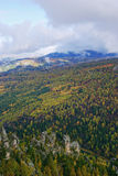 Paesaggio nel tempo di autunno. immagine stock libera da diritti