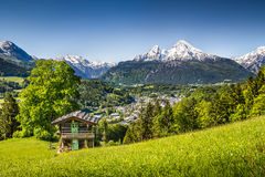 Paesaggio nelle alpi bavaresi, terra di Nationalpark Berchtesgadener, Germania della montagna Fotografie Stock