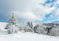 Paesaggio nevoso della montagna di inverno Immagine Stock Libera da Diritti