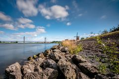 Paesaggio olandese tipico di delta dei fiumi Fotografie Stock Libere da Diritti