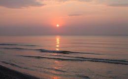 Paesaggio pacifico della spiaggia di alba Immagine Stock Libera da Diritti