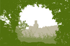 Paesaggio panoramico con il castello, l'erba, le piante e le siluette degli alberi Immagine Stock