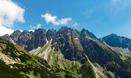 Paesaggio panoramico dell'alta di tatras delle montagne montagna della Slovacchia Immagini Stock
