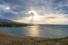 Paesaggio piacevole vicino al lago Fotografie Stock