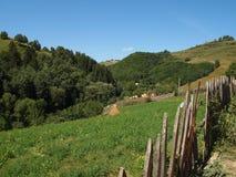 Paesaggio-piccolo villaggio della montagna Fotografia Stock Libera da Diritti
