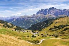 Paesaggio pittoresco con le alpi svizzere, Svizzera Fotografia Stock Libera da Diritti