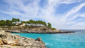 Paesaggio pittoresco del mare con la baia Mallorca Fotografia Stock
