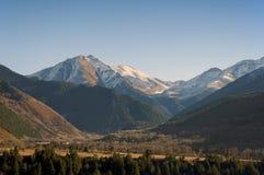 Paesaggio pittoresco della montagna di Caucaso Teberda, Karachay-Cherkessia, Russia Immagini Stock Libere da Diritti