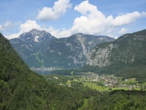 Paesaggio pittoresco delle montagne e lago su estate in Austria, Europa Fotografie Stock Libere da Diritti