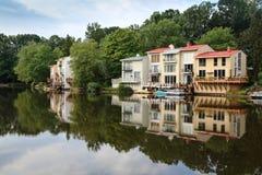 Paesaggio: Riva del lago che vive in Reston la Virginia Fotografia Stock Libera da Diritti