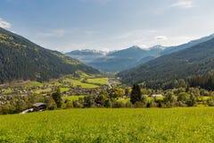 Paesaggio rurale alpino in Carinzia occidentale, Austria Fotografia Stock Libera da Diritti
