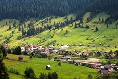 Paesaggio rurale in Bucovina, Romania fotografie stock libere da diritti