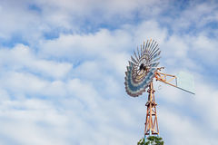 Paesaggio rurale del mulino di vento Fotografia Stock