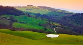 Paesaggio rurale della campagna nella regione della Toscana di I Fotografie Stock Libere da Diritti