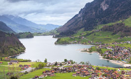 Paesaggio rurale dello svizzero Villaggio di Lungern Fotografia Stock Libera da Diritti