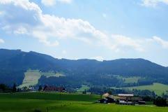 Paesaggio rurale di estate austriaca foothills immagine stock libera da diritti