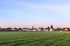 Paesaggio rurale a Monaco di Baviera con il nuovo stabilimento Fotografia Stock