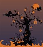 Paesaggio sanguinante con un albero e un pumpki terrificanti Immagini Stock