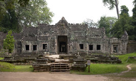 Paesaggio scenico con il tempio antico di Bayon (heritag del mondo dell'Unesco Immagini Stock Libere da Diritti