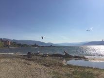 Paesaggio scenico del lago di estate Kelowna, BC canada immagine stock libera da diritti