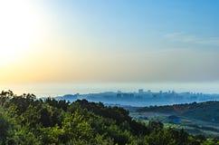 Paesaggio scenico della costa di Mar Nero in montagne di Caucaso da Anapa, Russia fotografia stock libera da diritti