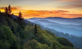 Paesaggio scenico di alba del parco nazionale di Great Smoky Mountains Immagini Stock Libere da Diritti