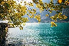 Paesaggio scenico di bello lago in Italia Fotografia Stock Libera da Diritti
