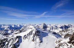 Paesaggio splendido della montagna di inverno con il Piz famoso Linard nelle alpi svizzere Fotografia Stock