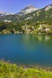 Paesaggio stupefacente al picco di Muratov ed al lago eye, montagna di Pirin Fotografia Stock